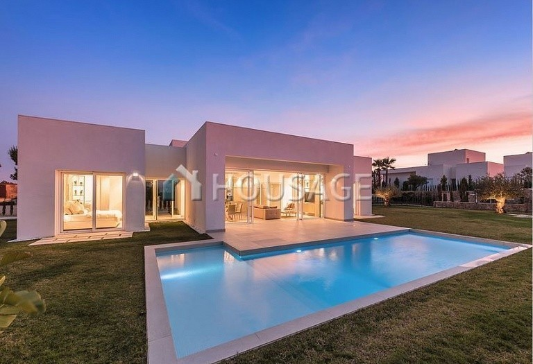 3 bed villa for sale in Orihuela, Spain, 239 m² - photo 1