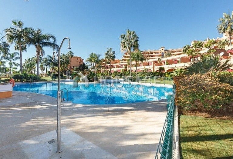 Townhouse for sale in Estepona, Spain, 192 m² - photo 1