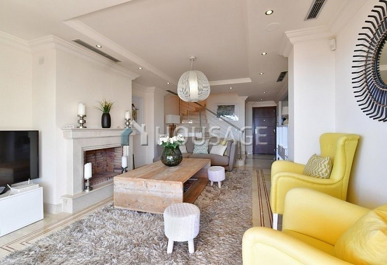 Flat for sale in Nueva Andalucia, Marbella, Spain, 191 m² - photo 3