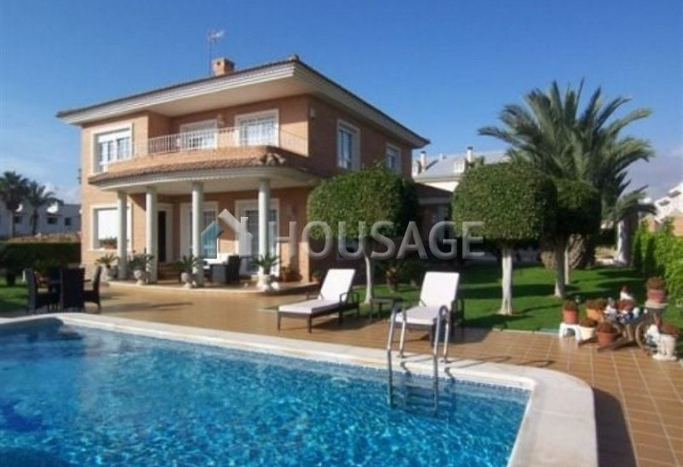 5 bed villa for sale in Torrevieja, Spain - photo 1