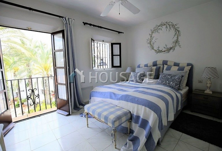 Townhouse for sale in Marbella Golden Mile, Marbella, Spain, 90 m² - photo 3