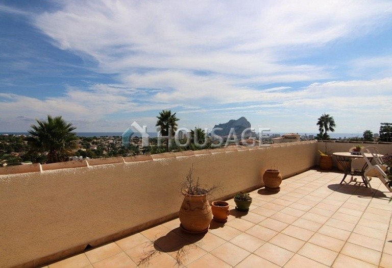 3 bed villa for sale in Calpe, Spain, 300 m² - photo 2