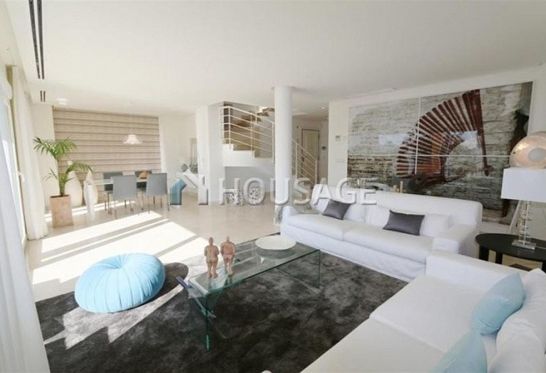 Flat for sale in Nueva Andalucia, Marbella, Spain, 223 m² - photo 3