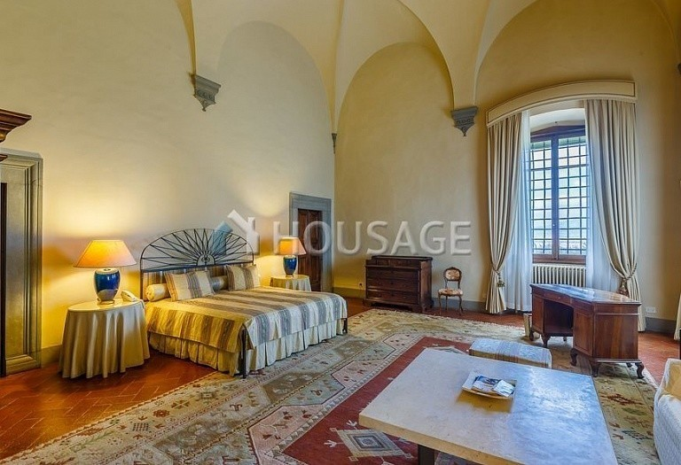 9 bed villa for sale in Florence, Italy, 2800 m² - photo 31
