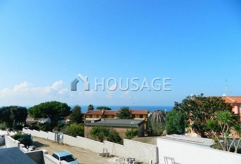 3 bed townhouse for sale in Anzio, Italy, 115 m² - photo 1