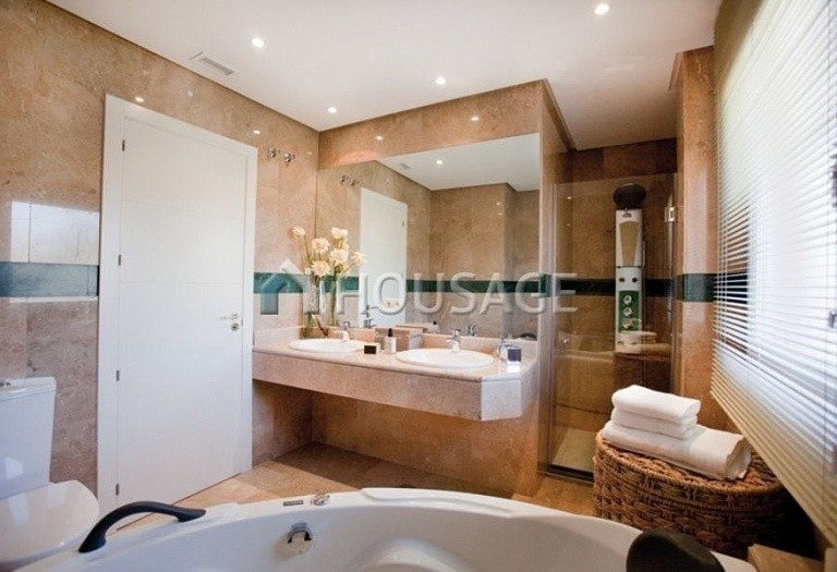 Flat for sale in Nueva Andalucia, Marbella, Spain, 223 m² - photo 8