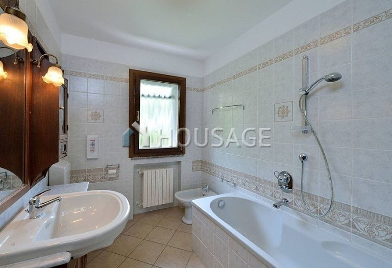 6 bed villa for sale in Diano Marina, Italy, 350 m² - photo 11
