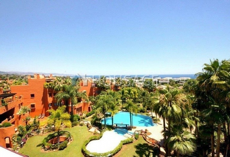 Flat for sale in Puerto Banus, Marbella, Spain, 162 m² - photo 1