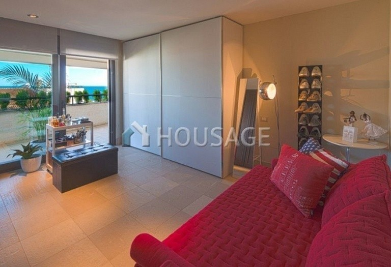 Flat for sale in Marbella, Spain, 661 m² - photo 12