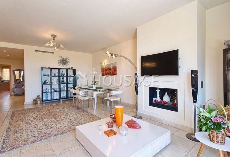 Flat for sale in Los Flamingos, Benahavis, Spain, 300 m² - photo 7