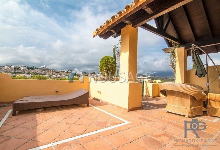 Flat for sale in Atalaya, Estepona, Spain, 300 m² - photo 1