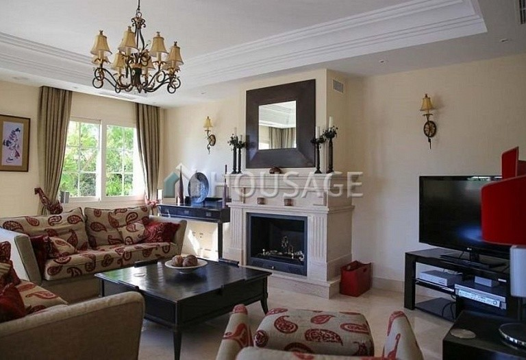 Villa for sale in Puerto Banus, Marbella, Spain, 380 m² - photo 3
