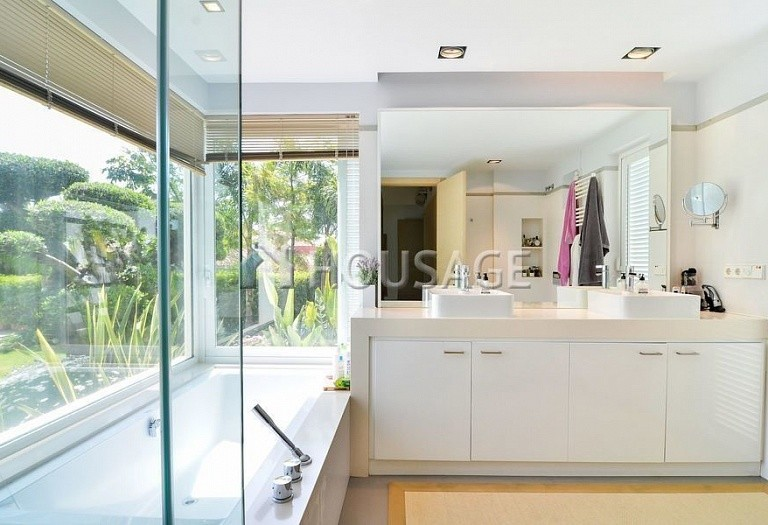 Villa for sale in Nueva Andalucia, Marbella, Spain, 401 m² - photo 14