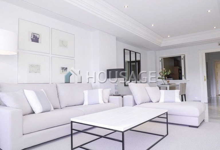 Apartment for sale in Marbella Golden Mile, Marbella, Spain, 127 m² - photo 2