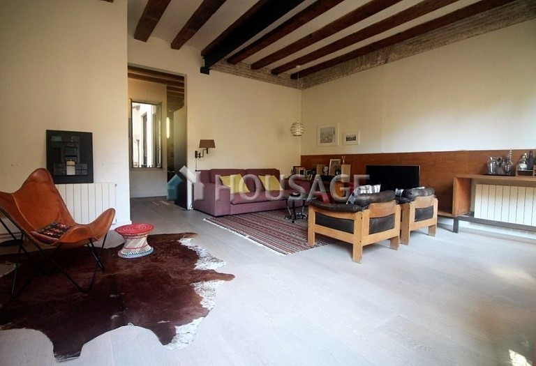 3 bed flat for sale in Gothic Quarter, Barcelona, Spain, 140 m² - photo 3