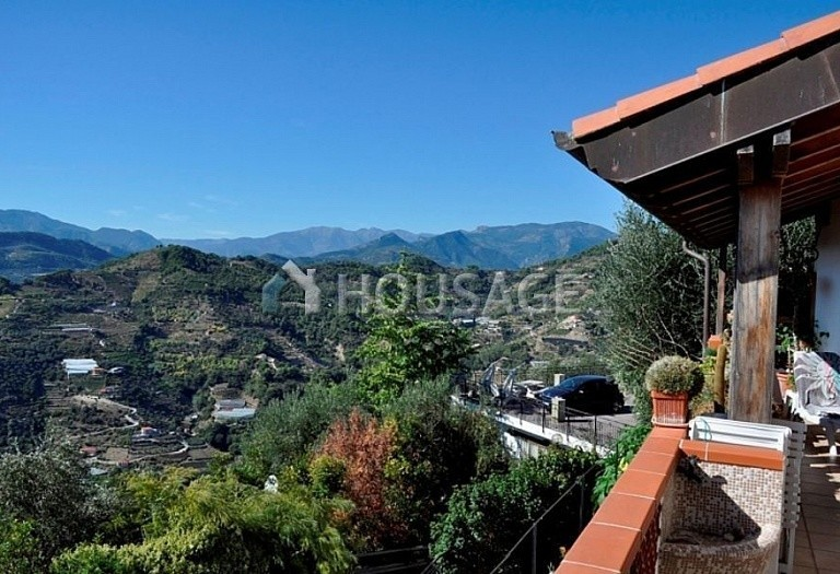 4 bed villa for sale in Vallebona, Italy, 120 m² - photo 4
