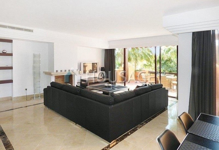 Flat for sale in Puerto Banus, Marbella, Spain, 177 m² - photo 5