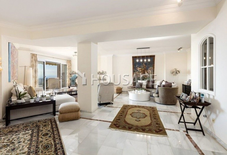 Townhouse for sale in Nueva Andalucia, Marbella, Spain, 324 m² - photo 8
