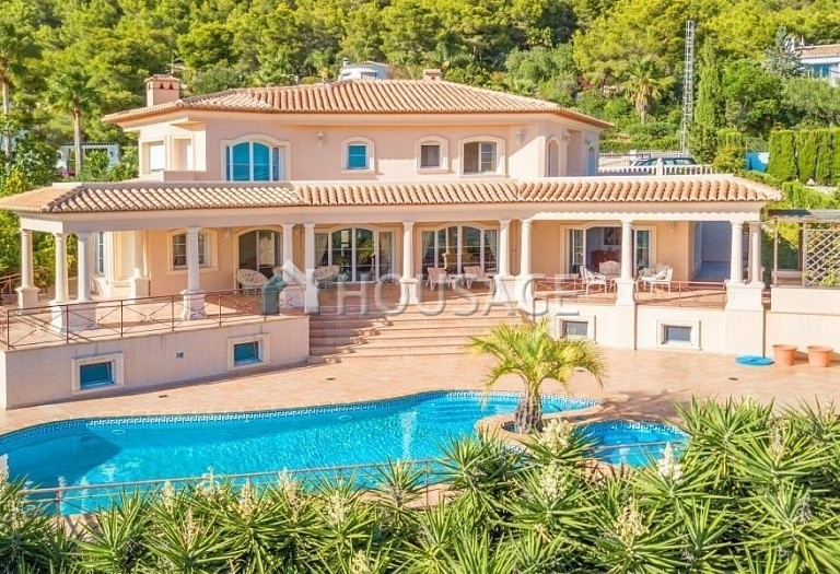 7 bed villa for sale in Javea, Spain, 685 m² - photo 1