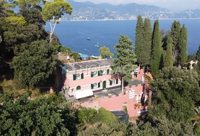 7 bed villa for sale in Portofino, Italy, 330 m² - photo 1