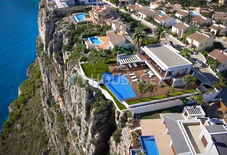 5 bed villa for sale in Benitachell, Benitachell, Spain, 489 m² - photo 1