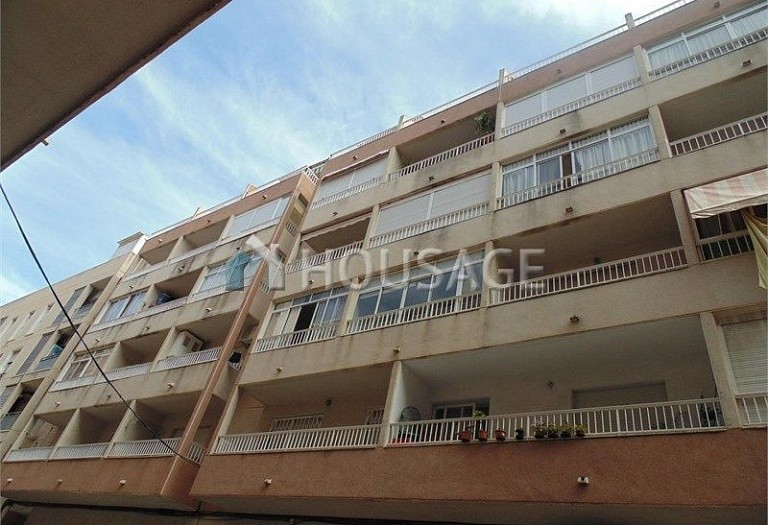 1 bed apartment for sale in Torrevieja, Spain - photo 1