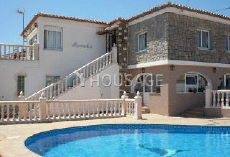 6 bed villa for sale in Calpe, Calpe, Spain, 230 m² - photo 1