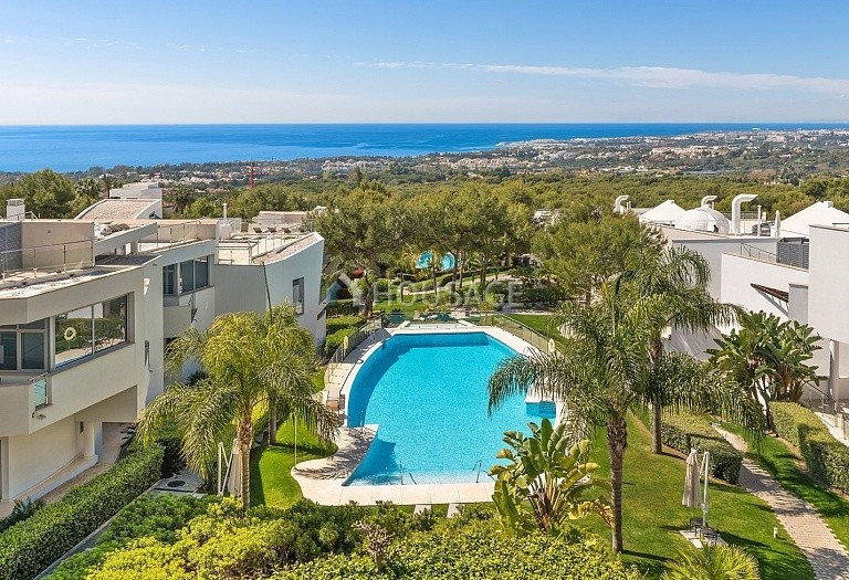 3 bed villa for sale in Marbella, Spain, 474 m² - photo 4