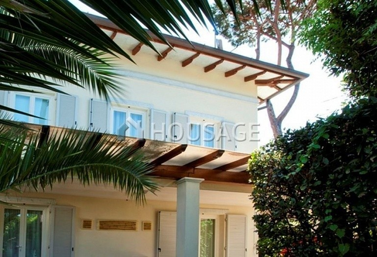 4 bed villa for sale in Forte dei Marmi, Italy, 220 m² - photo 6