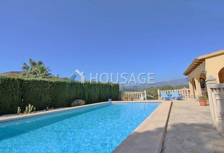 3 bed a house for sale in Calpe, Spain, 200 m² - photo 8