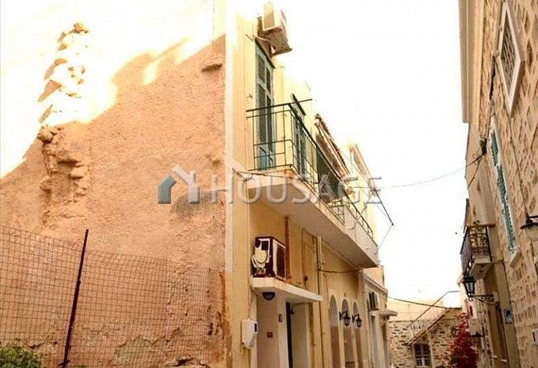 2 bed flat for sale in Ano Syros, Cyclades, Greece, 76 m² - photo 8