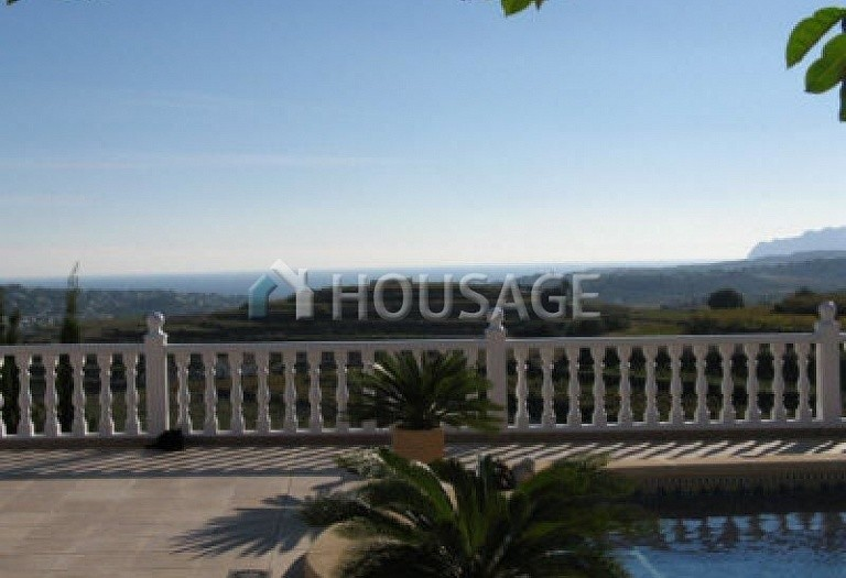 4 bed villa for sale in Moraira, Moraira, Spain, 270 m² - photo 2