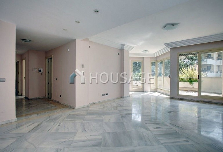 Apartment for sale in Nueva Andalucia, Marbella, Spain, 151 m² - photo 2