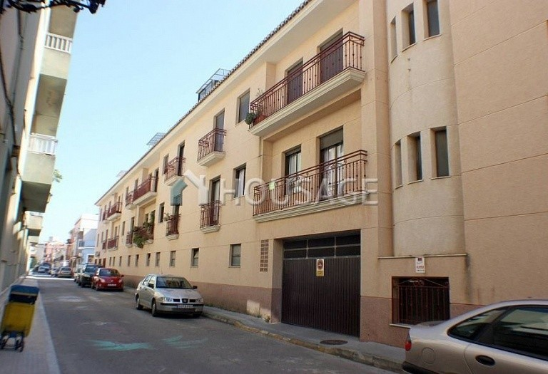 3 bed apartment for sale in Orba, Spain - photo 2