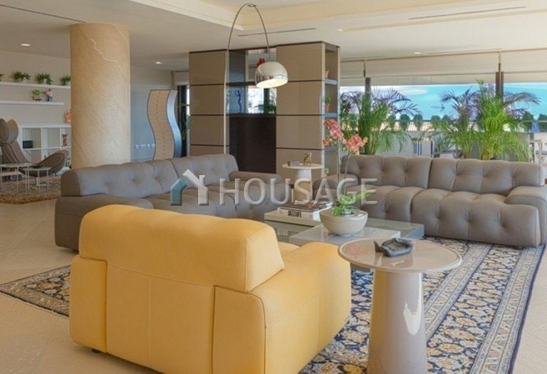 Flat for sale in Marbella, Spain, 661 m² - photo 3