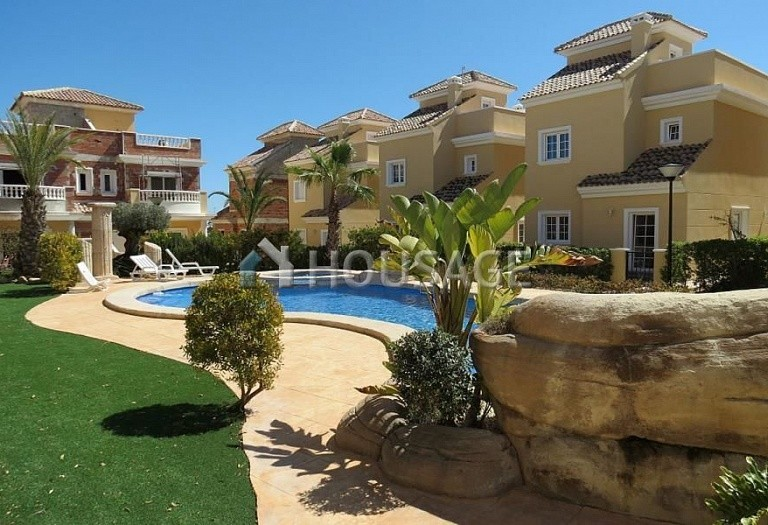 3 bed villa for sale in La-Marina, Spain, 144 m² - photo 2