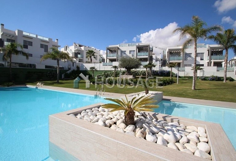 2 bed a house for sale in Torrevieja, Spain, 63 m² - photo 2