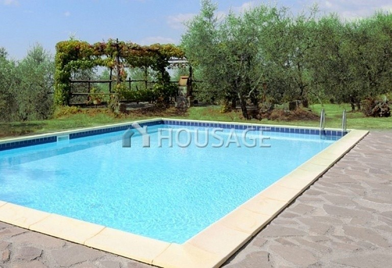 5 bed villa for sale in Lucca, Italy, 305 m² - photo 5