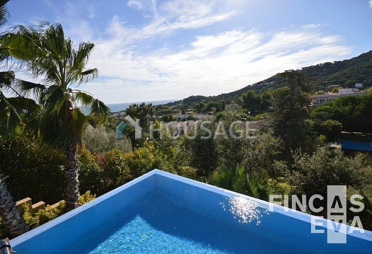 6 bed villa for sale in Premia de Dalt, Spain, 616 m² - photo 15