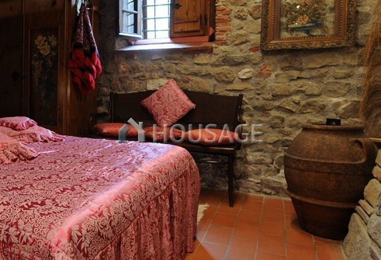 5 bed villa for sale in Lucca, Italy, 305 m² - photo 12