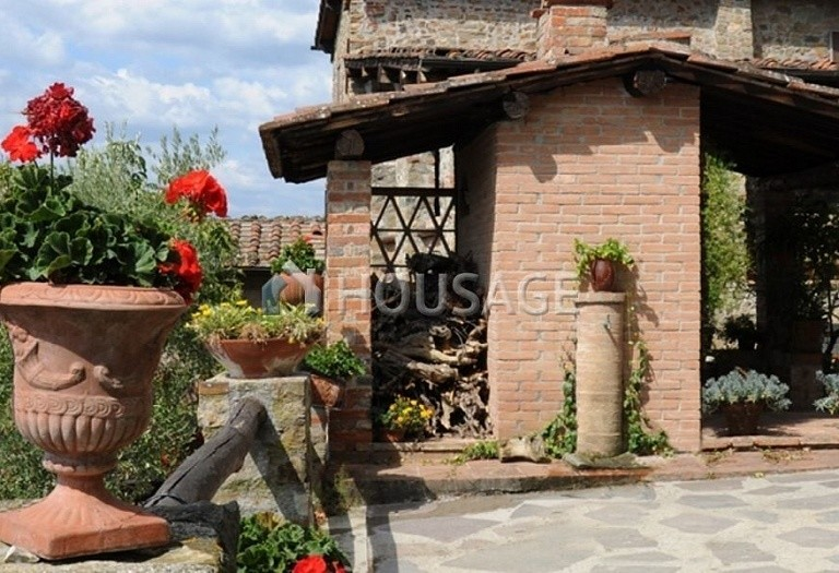 5 bed villa for sale in Lucca, Italy, 305 m² - photo 8