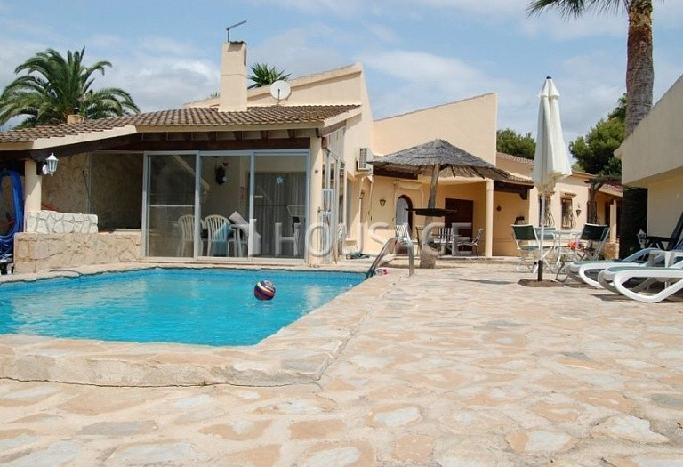 3 bed a house for sale in La Nucia, Spain, 158 m² - photo 1