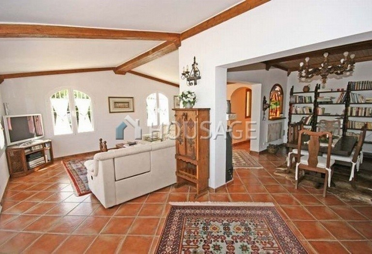 Villa for sale in San Pedro de Alcantara, Spain, 220 m² - photo 6
