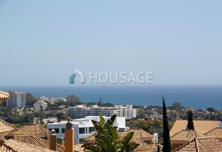 Villa for sale in Los Monteros, Marbella, Spain, 210 m² - photo 2