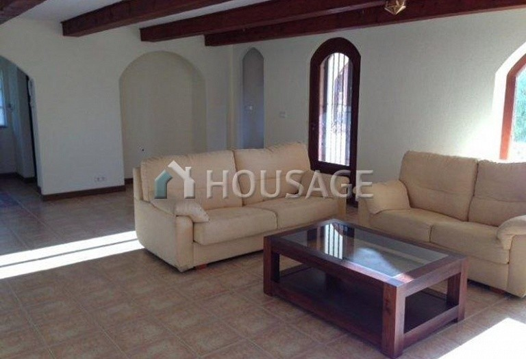 5 bed villa for sale in Orihuela Costa, Spain, 400 m² - photo 2