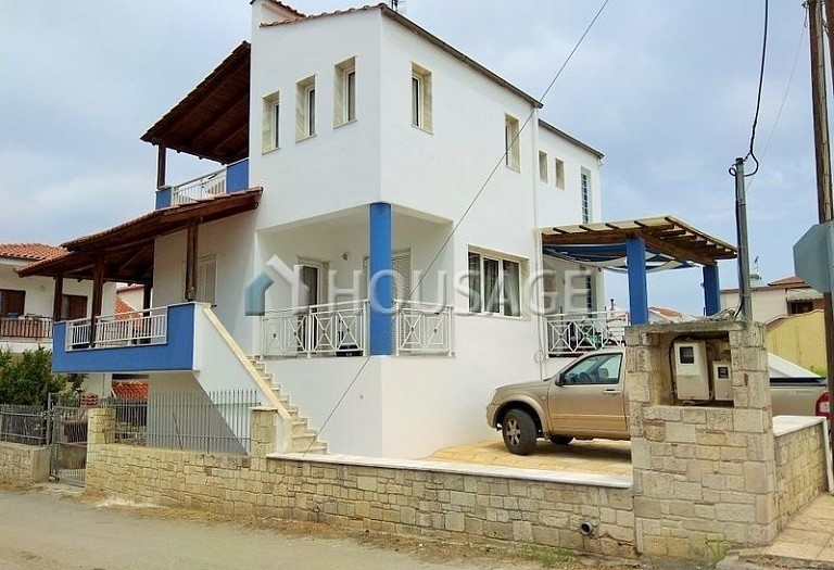 5 bed house for sale in Nea Fokaia, Kassandra, Greece, 215 m² - photo 1