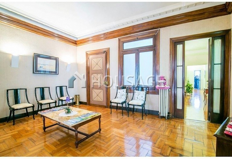10 bed flat for sale in Barcelona, Spain, 425 m² - photo 15