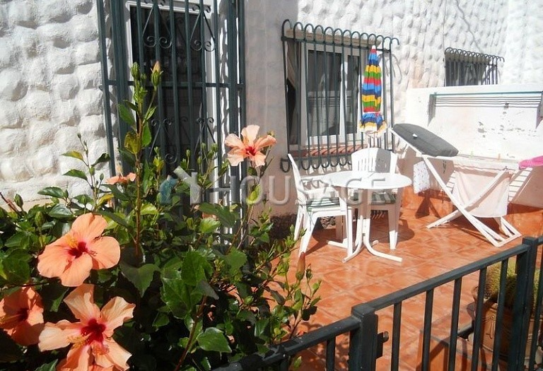 2 bed apartment for sale in Adeje, Spain - photo 1