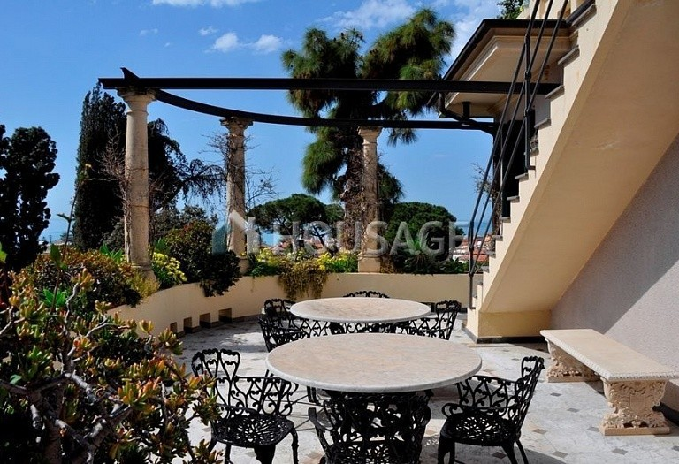 3 bed flat for sale in Bordighera, Italy, 205 m² - photo 11