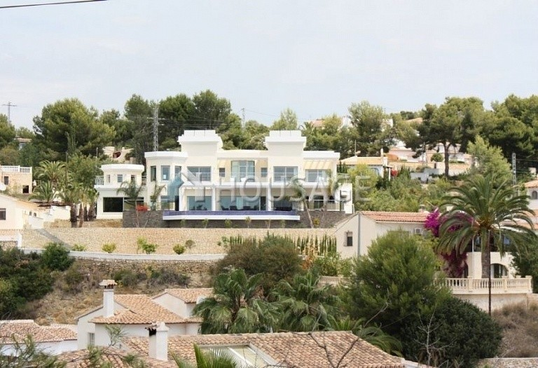 4 bed villa for sale in Benisa, Benisa, Spain - photo 1